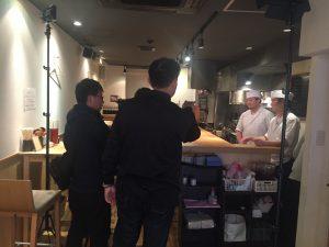 撮影前打ち合わせ本町製麺所天