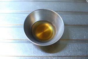 だしがあたたかい内に、◎の調味料を加えよく混ぜたあと冷やす(醤油の塩分にあわせて塩は加減してください